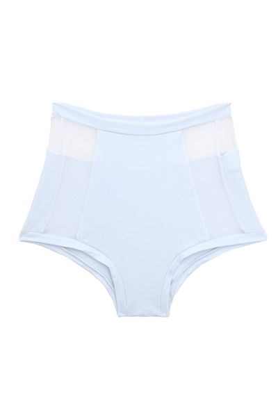 hot-pants-janela-tule-branca-frente-low-